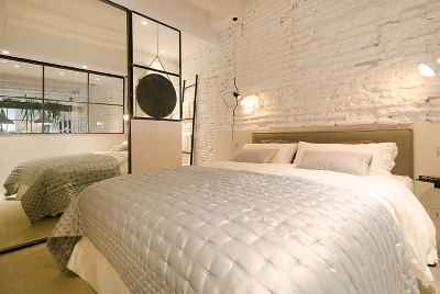 Wonderful reformed apartment with nice design in the centre of Barcelona